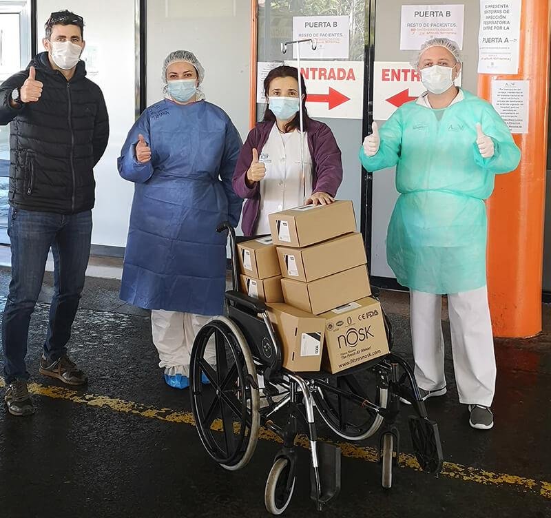 Entrega mascarillas para el coronavirus