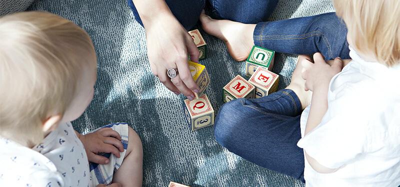 Niños jugando en el parque - Mascarillas y filtros Nosk